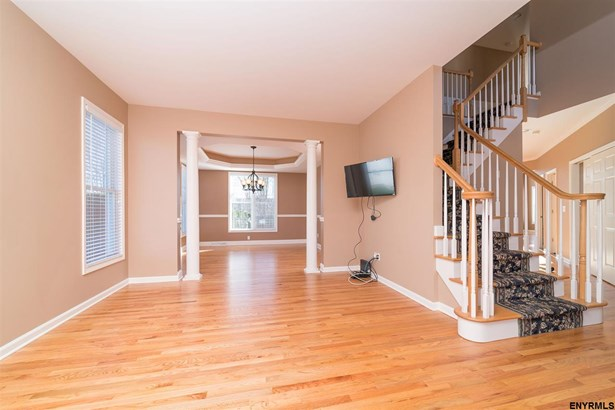 6 North Pointe Dr, Cohoes, NY - USA (photo 3)