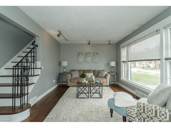 29388 Woodway Dr, Wickliffe, OH - USA (photo 3)