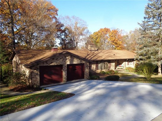 2337 Beechwood Nw Dr, Dover, OH - USA (photo 1)