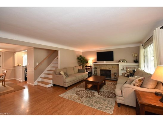 21295 Parkwood Ave, Fairview Park, OH - USA (photo 2)