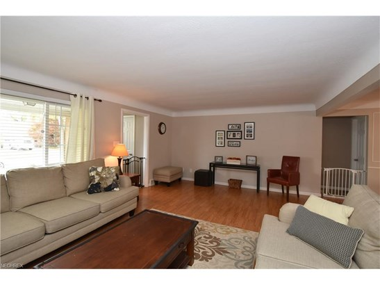 21295 Parkwood Ave, Fairview Park, OH - USA (photo 3)
