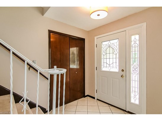 4619 Camellia Ln, North Olmsted, OH - USA (photo 2)