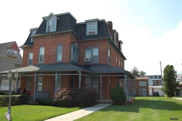 561 Linden Ave, York, PA - USA (photo 1)