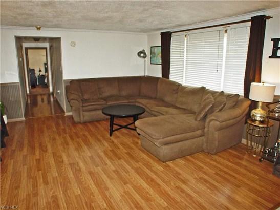 145 Manor Dr, Wellsburg, WV - USA (photo 3)