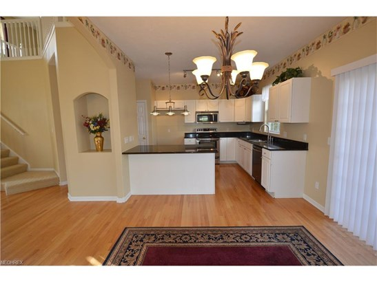 7311 Forest Cove Ln, Northfield, OH - USA (photo 4)