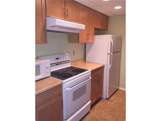2160 W Greentree 104, Scott Township, PA - USA (photo 4)