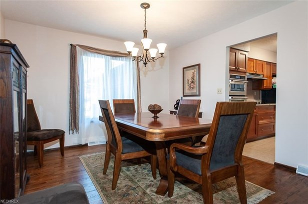 22297 Westwood Dr, Strongsville, OH - USA (photo 5)
