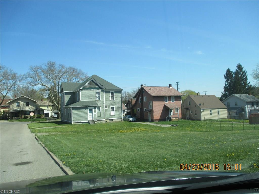 Crescent Dr, Struthers, OH - USA (photo 1)