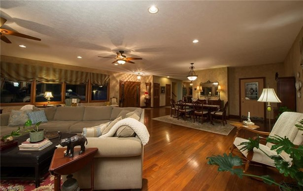 1780 Ridge Rd, Hinckley, OH - USA (photo 4)