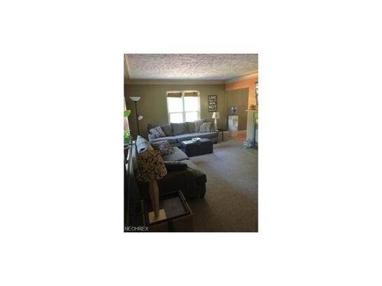 5745 Grove Rd, New Franklin, OH - USA (photo 2)