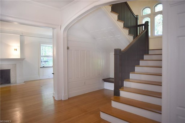 2581 Berkshire Rd, Cleveland Heights, OH - USA (photo 2)