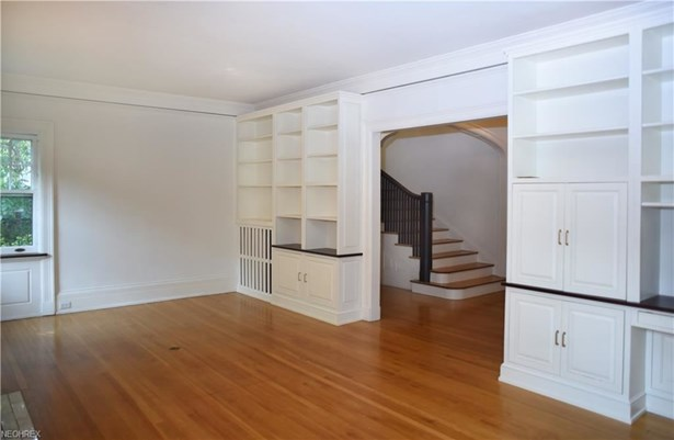2581 Berkshire Rd, Cleveland Heights, OH - USA (photo 4)