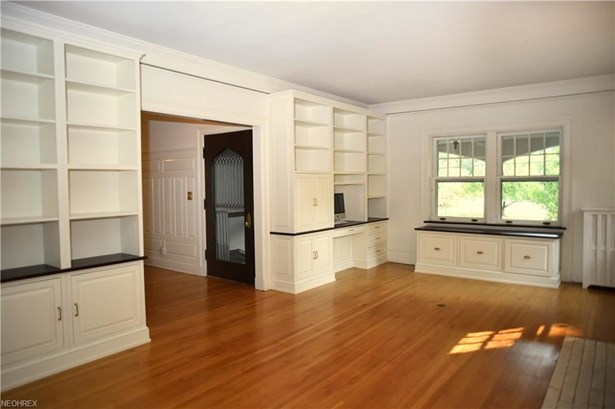2581 Berkshire Rd, Cleveland Heights, OH - USA (photo 5)