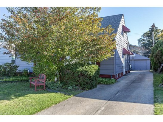 6590 Indiana Ave, Mayfield Heights, OH - USA (photo 2)