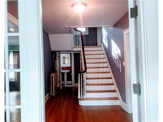 2584 Lee Rd, Cleveland Heights, OH - USA (photo 5)