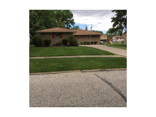 5668 Rangeview Dr, Seven Hills, OH - USA (photo 1)