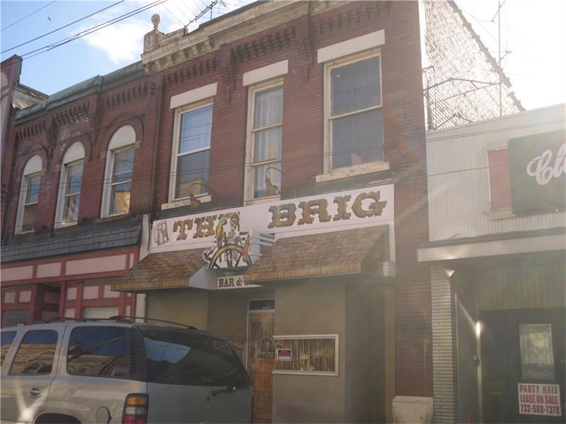 517 Fallowfield Ave, Charleroi, PA - USA (photo 1)