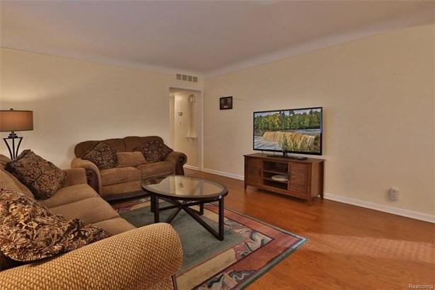 3002 Garden Ave, Royal Oak, MI - USA (photo 4)