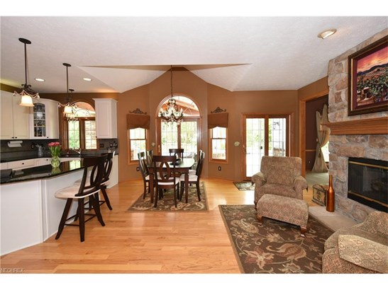 19255 Lunn Rd, Strongsville, OH - USA (photo 2)