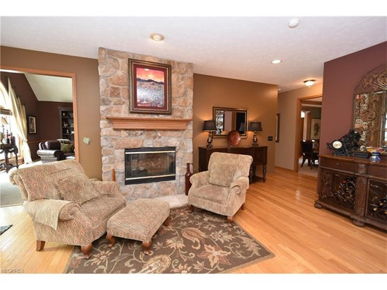 19255 Lunn Rd, Strongsville, OH - USA (photo 3)