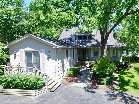 2594 Comfort St, Orchard Lake, MI - USA (photo 5)