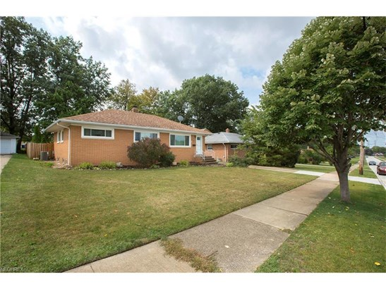 13495 Brookdale Ave, Brook Park, OH - USA (photo 5)