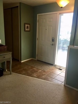 10749 Waterfall Rd, Strongsville, OH - USA (photo 4)