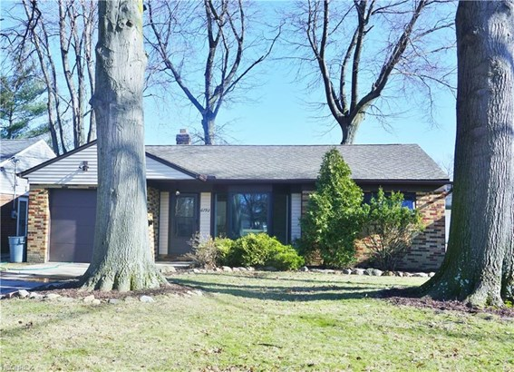 6793 Middlebrook Blvd, Middleburg Heights, OH - USA (photo 1)