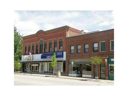 65 - 79 W Main Street, Girard, PA - USA (photo 1)