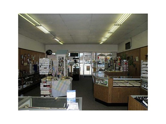 65 - 79 W Main Street, Girard, PA - USA (photo 2)