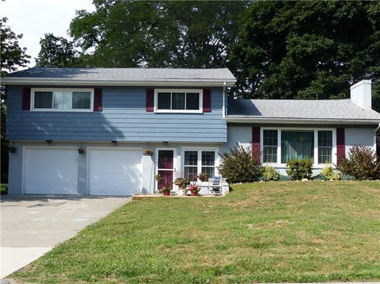 1320 Central Drive, Fairview, PA - USA (photo 2)