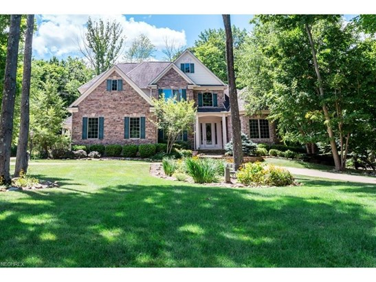 8285 Woodberry Blvd, Chagrin Falls, OH - USA (photo 1)