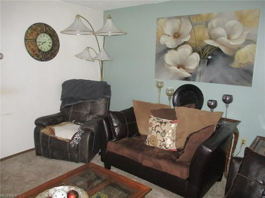 3605 3607 N Sunnyfield Dr, Copley, OH - USA (photo 3)