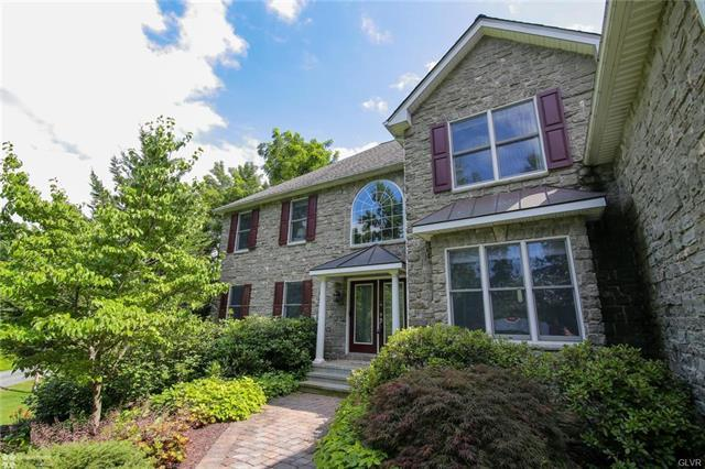 2752 Valley View Road, Hellertown, PA - USA (photo 2)