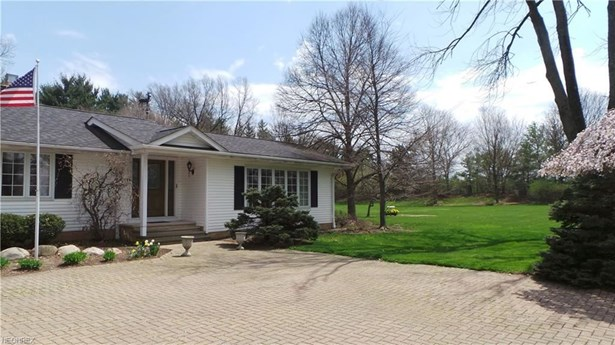 26005 Butternut Ridge Rd, North Olmsted, OH - USA (photo 3)
