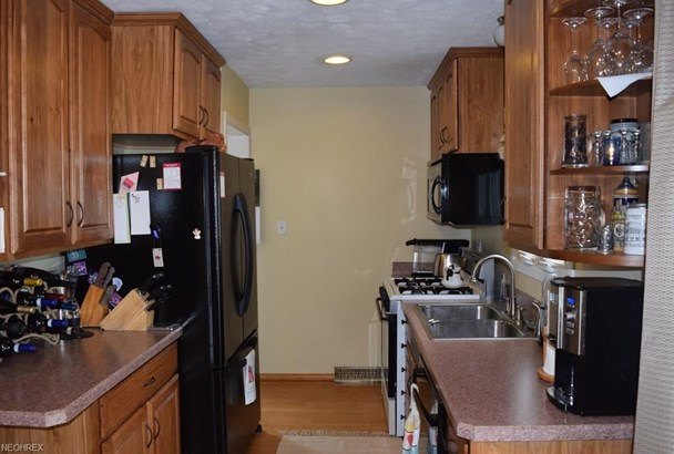 1689 Ridgeview Dr, Wickliffe, OH - USA (photo 5)