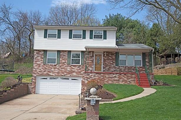 673 Twin Oak Dr, Penn Hills, PA - USA (photo 1)