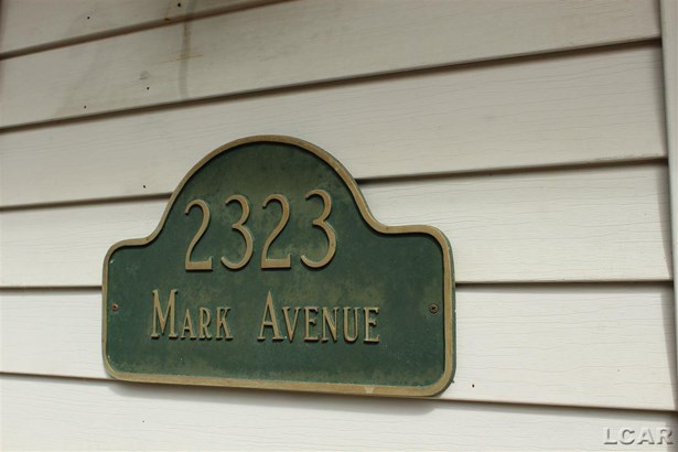 2323 Mark Avenue, Lansing, MI - USA (photo 2)