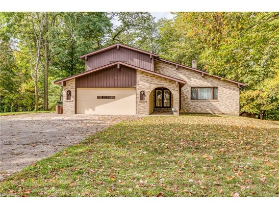 2448 River Rd, Willoughby Hills, OH - USA (photo 1)
