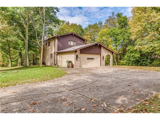 2448 River Rd, Willoughby Hills, OH - USA (photo 3)