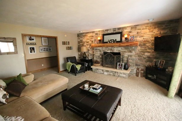 2727 Call Rd, Stow, OH - USA (photo 4)