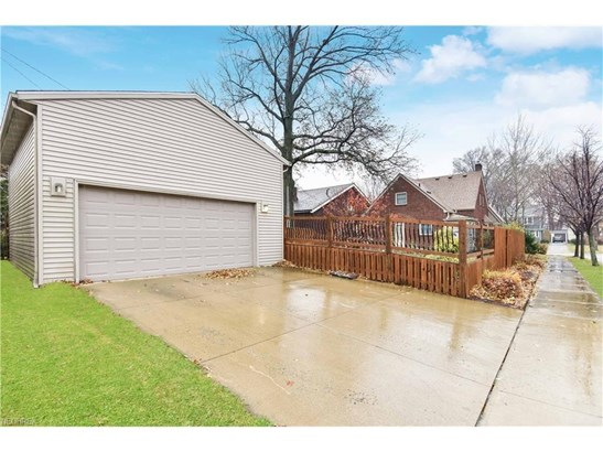 16507 Lucille Ave, Cleveland, OH - USA (photo 2)
