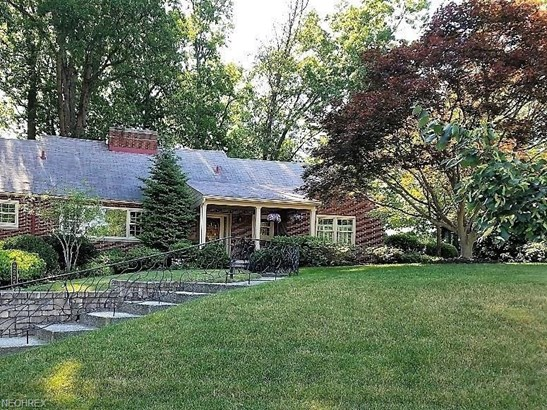 2205 Valley View Dr, Rocky River, OH - USA (photo 1)