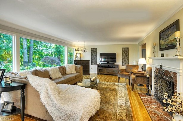 2205 Valley View Dr, Rocky River, OH - USA (photo 4)