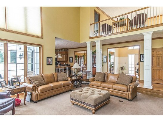 6562 Hampsher Rd, New Franklin, OH - USA (photo 4)