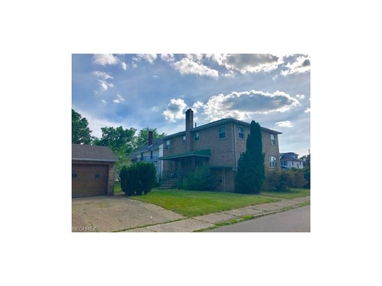 256 Montrose Nw Ave, Canton, OH - USA (photo 2)