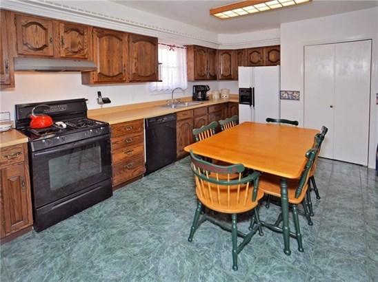 10415 Forbes Rd, Penn Hills, PA - USA (photo 2)