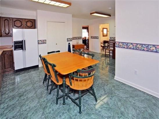 10415 Forbes Rd, Penn Hills, PA - USA (photo 3)