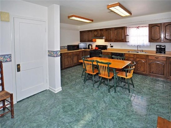 10415 Forbes Rd, Penn Hills, PA - USA (photo 5)