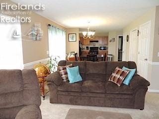 3843 Parkside Circle West, Lorain, OH - USA (photo 2)